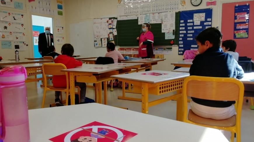Les élèves de l'école Ronchèse à Nice se préparent au télétravail
