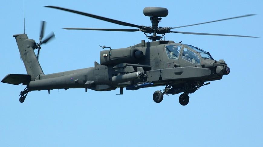 Un hélicoptère de l'armée survole la Côte d'Azur