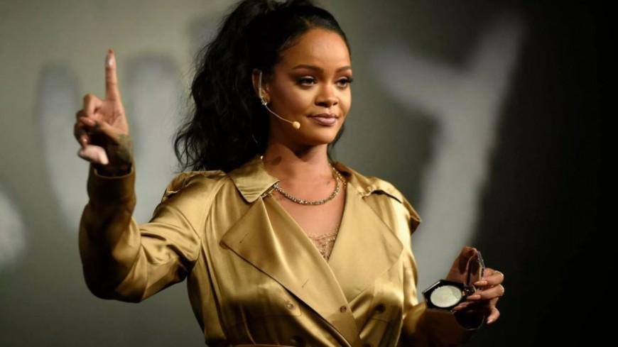 Rihanna devient la chanteuse la plus riche au monde !