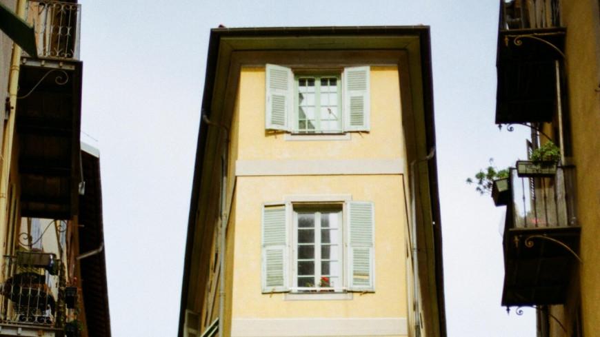 Vous êtes invités à chanter du Jean-Jacques Goldman à votre fenêtre ce lundi soir