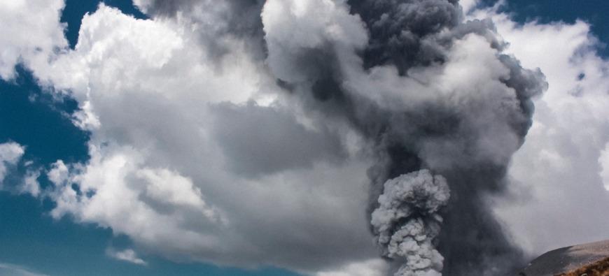 Attention à ce nuage de cendres venu des Iles Canaries